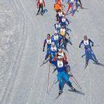 skiers racing